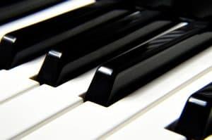 קלידים של פסנתר