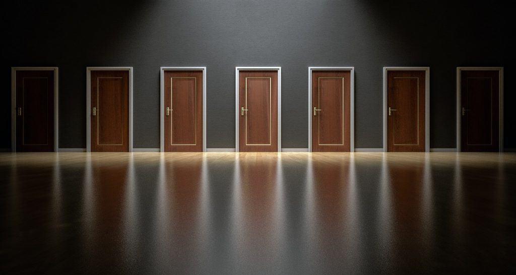 סוגים שונים של דלתות