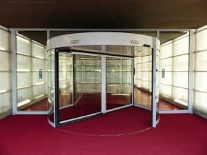 דלתות זכוכית ראשית